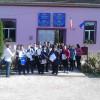 Finiș. Directoare susţinută de colegi împotriva primarului-Protest la şcoală