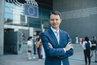 """Un român negociază bugetul UE pentru următorii șapte ani - Siegfried Mureșan: """"Debirocratizarea accesării fondurilor europene este obligatorie"""""""