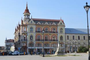 Cele mai frumoase opt clădiri renovate în Oradea (FOTO)
