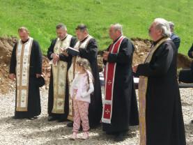 Satul Tomnatic, comuna Vadu Crişului - A fost sfinţită troiţa