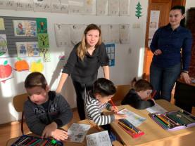 Şcoala Gimnazială Lunca - Poveşti, marionete şi digital parenting
