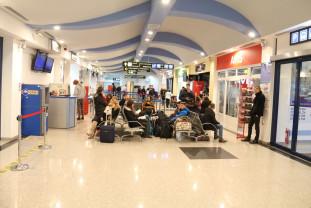 """""""Să știe orădenii cine își bate joc de oraș!"""" - Cere anularea concursului de la Aeroport"""