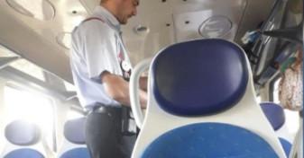 Controlor de tren fără mască de protecție - CFR spune că îl va sancționa!