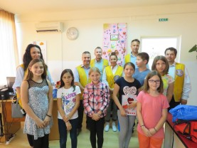 DASO și Clubul Lions, alături de copiii nevoiași - Bucurie la început de școală