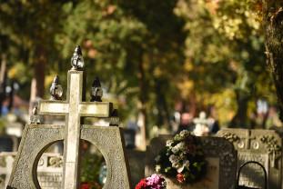 Val tot mai mare de decese în Oradea - Peste 10 înmormântări pe zi