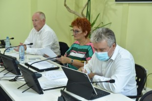 Universitatea din Oradea. 1.800 de locuri la licență, 810 la masterat - La pescuit de candidaţi