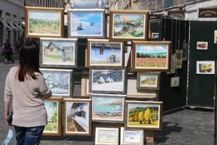 Prima expoziţie în aer liber din acest an - Explozii de culori pe Corso
