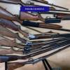 Orădean anchetat pentru nerespectarea regimului armelor şi muniţiilor - Arme confiscate de poliţişti