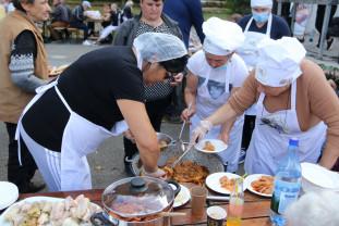 Concurs de gătit…. fără deşeuri - Sărmale şi clătite, în parc