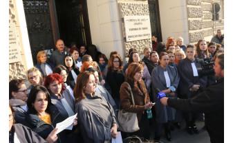 Grefierii şi judecătorii ameninţă cu proteste, unii oprind activitatea - Nemulţumiţi de eliminarea pensiilor speciale