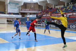 CSM Oradea - CNOPJ Timişoara 44-26 - Antrenament cu public al handbaliştilor