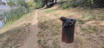 În zona centrală și pe bulevarde - 355 de coșuri de gunoi stradale