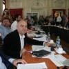 O nouă şedinţă tensionată, cu sute de protestatari în faţa sediului - Bugetul CJ a trecut la vot