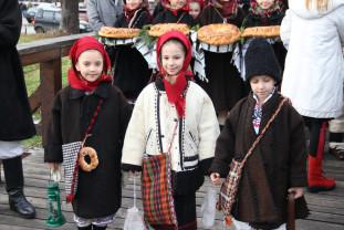 Tradiţii și superstiţii ancestrale din provinciile istorice - Crăciunul în România