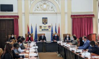La Prefectura Bihor - Sesiuni de instruire a secretarilor