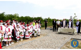 La Monumentul eroilor din Leş - Ceremonie militară şi religioasă