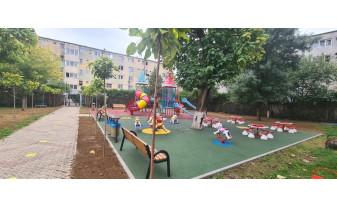 """Proiect finanţat prin campania """"Iunie - Luna curățeniei în județul Bihor"""" - Loc de joacă în Aleșd"""