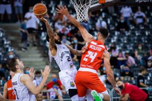 U BT Cluj-Napoca – CSM CSU Oradea 73-62 - Start fals în marea finală