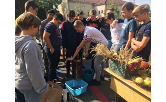 """Culoare și arome la Liceul German din Oradea - """"Sărbătoarea recoltei"""""""