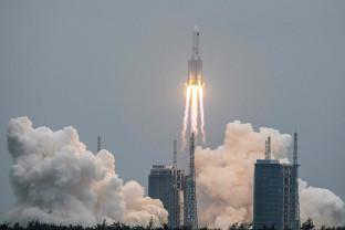 Misiune cu echipaj la bord lansată de China - Trei luni în spaţiu