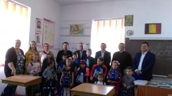 """Băița. Școala """"Înv. Bortoș Costea Maria"""" - Surprize plăcute la primul clopoțel"""