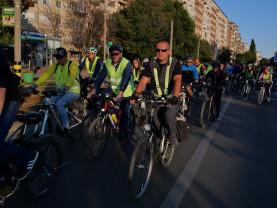 Sute de orădeni au pedalat pentru un mediu mai curat şi un stil de viaţă sănătos - Critical Mass, la o nouă ediţie