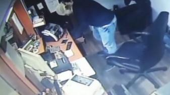 Tâlharul a fost prins de casier cu ajutorul unor trecători - Jaf la o casă de schimb valutar
