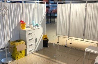 Deschis la Auchan - Centru mobil de vaccinare