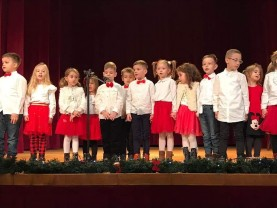 "Copiii de la Grădinița Don Orione, la colindat - ""La Marghita, la bunica!"""