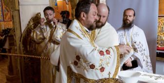 Fostul episcop de Huşi, reţinut pentru viol şi act sexual cu un minor