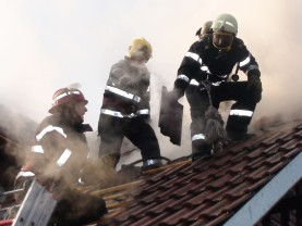 În mai puţin de o lună s-au produs 25 de incendii, din aceeaşi cauză - Atenţie la coşurile de fum!