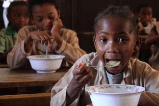 Risc mare de foamete în Africa, Asia și America Latină - Trei ani săraci pentru cei mai săraci pământeni