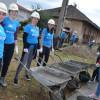 20 de orădeni au muncit la casa unei familii cu şase copii - Voluntariat pentru viitor sigur