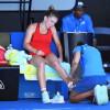 Griji în plus înaintea meciului cu Bouchard - Simona Halep are entorsă la gleznă
