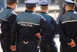 Polițiștii au efectuat controale la două magazine din Tinca - Haine și încălțăminte contrafăcute, confiscate