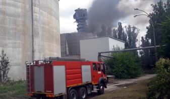Incendiu la Fabrica Zahărul - Pompierii au intervenit duminică în alte cinci localități