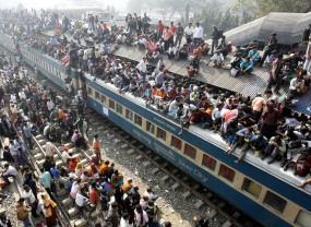 Trenurile de călători sunt blocate în India, vagoanele vor deveni spitale - Premieră în 167 de ani