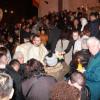 Mii de orădeni au ieşit la rugăciune - Au primit Lumina Învierii