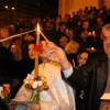 Mii de ortodocşi şi catolici au luat Lumina Învierii - Paşte împreună după patru ani