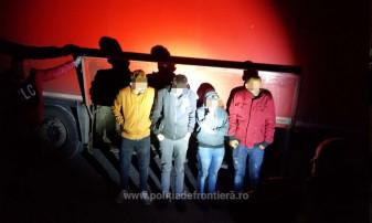 Patru tineri au încercat să iasă ilegal din ţară - Irakieni ascunşi sub remorcă