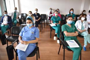 Medicii și asistenții medicali de la Maternitate - Școliți printr-un proiect european de anvergură