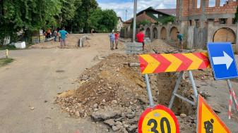 Beiuș - A început modernizarea străzilor și trotuarelor