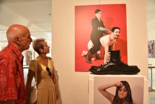 Expoziție inedită la Muzeul Țării Crişurilor - Artă grotescă pe simeze orădene