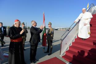 """Ungaria - Papa Francisc îi îndeamnă pe maghiari să fie """"deschişi"""""""