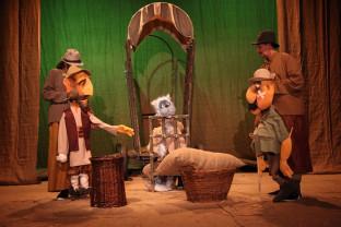 Primul spectacol online integral transmis de Arcadia -  Motanul Încălțat