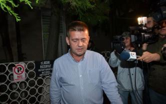 Poliţiştii l-au ridicat pe fostul prim procuror de acasă şi l-au dus la Penitenciarul Oradea - Vasile Popa a fost încarcerat