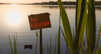 """Pescuitul în prohibiție constituie contravenție - Pescarii, 60 de zile """"în carantină"""""""