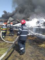 Incendiul de la Salonta: O comisie specializată va stabili cauzele evenimentului şi pagubele