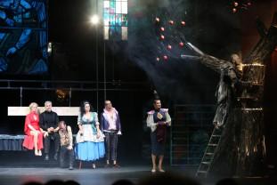 """Prima premieră a stagiunii la Teatrul Regina Maria - """"Tartuffe"""", un succes de casă"""