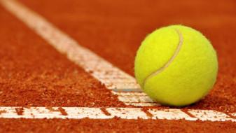"""Tenis de câmp pentru juniori U16 - O nouă ediţie a """"Oradea Junior Trophy"""""""